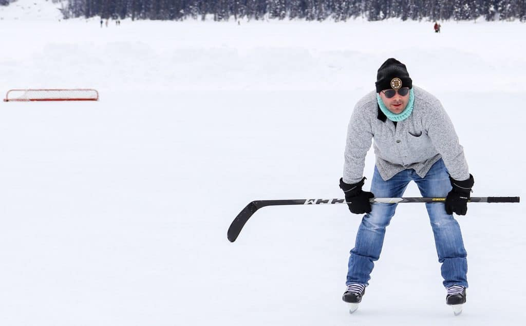 picture of Edward skating in lake louise