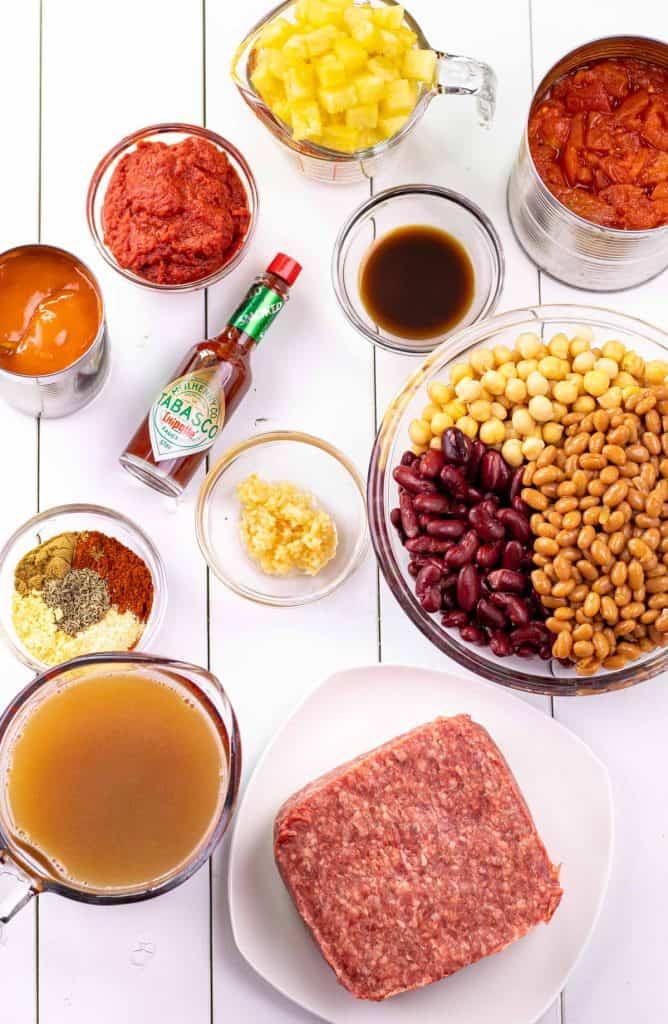 ingredients to make hawaiian chipotle chili