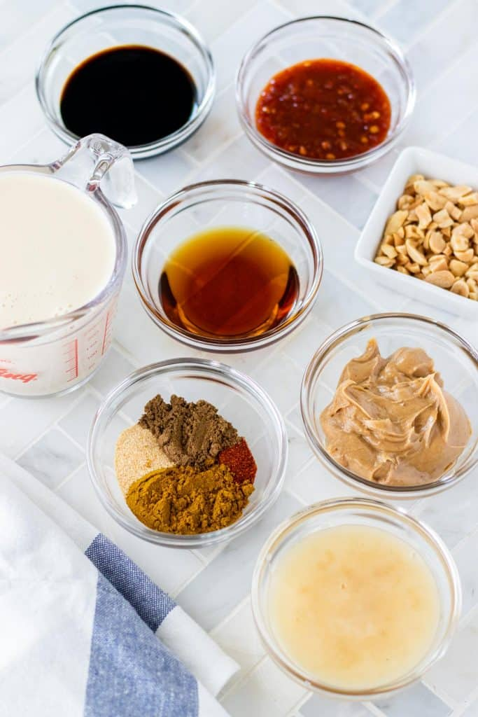 All of the ingredients required to make the spicy peanut chicken satay sauce