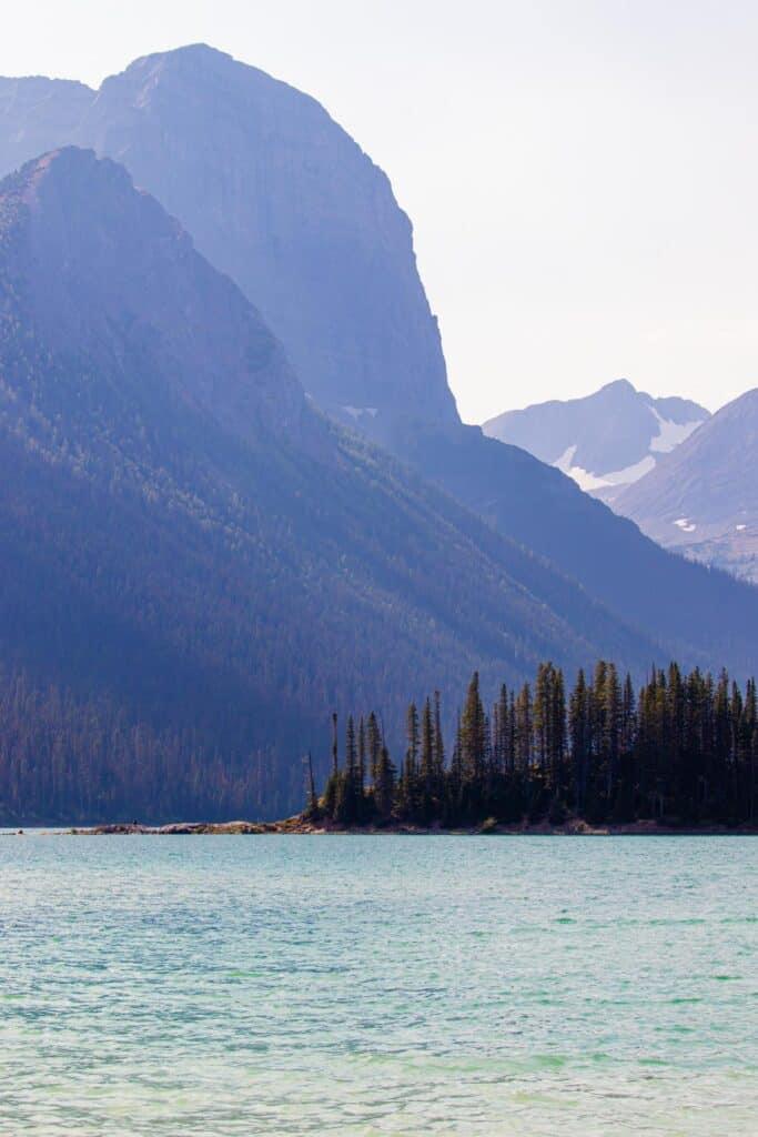 the upper kananaskis lake