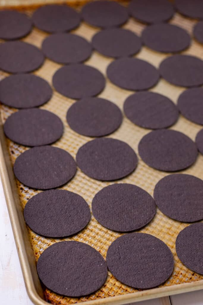 laying out the first layer of chocolate wafers