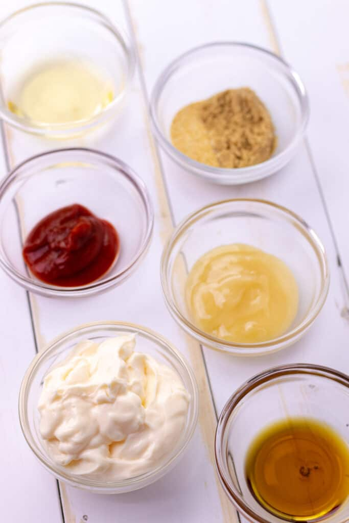 all of the ingredients to make the firecracker aioli sauce.